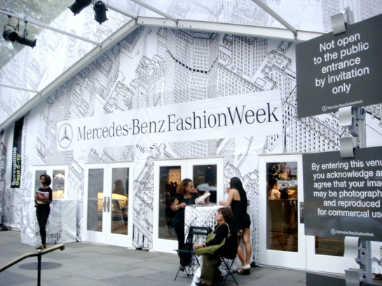 ny-fashion-week-bryant-park-main-entrance