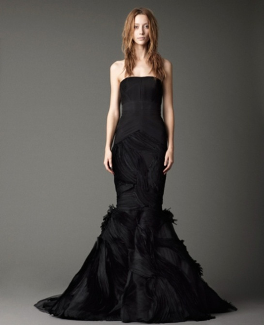 stylish-and-dramatic-black-wedding-dresses-23